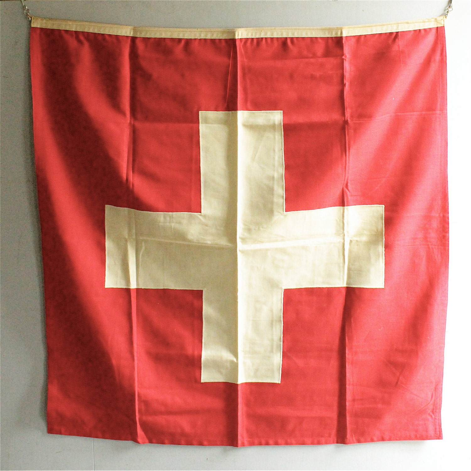 Vintage Cross Flag - lovintagefinds