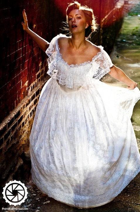 Vintage wedding dress From Nazara