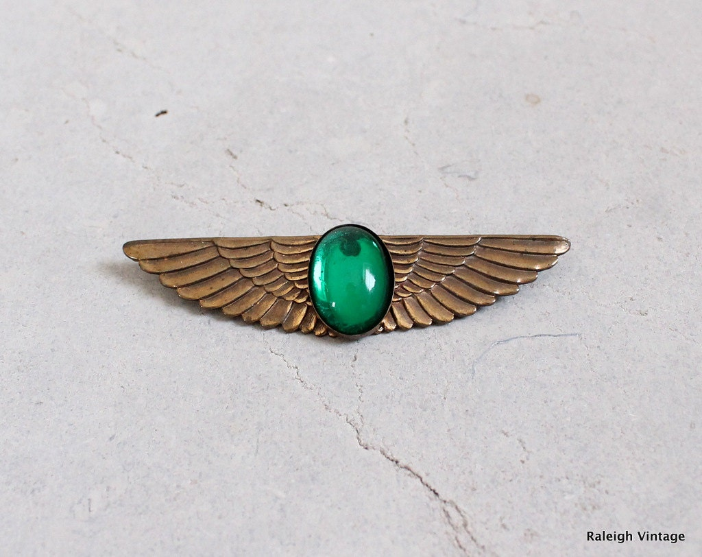 Vintage Art Deco Brooch : 20s 30s Egyptian Revival Wings Pin