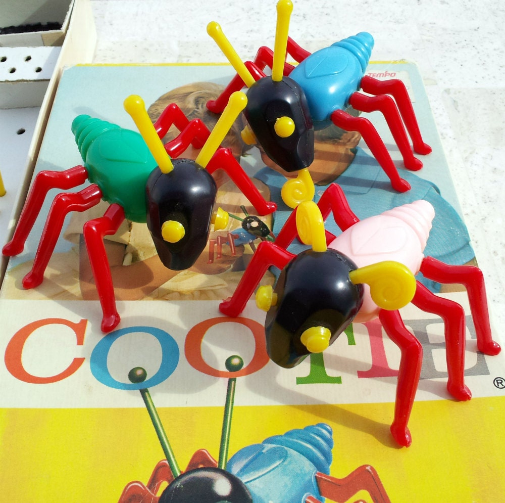 Vintage Cootie Game 1966 - DollFood