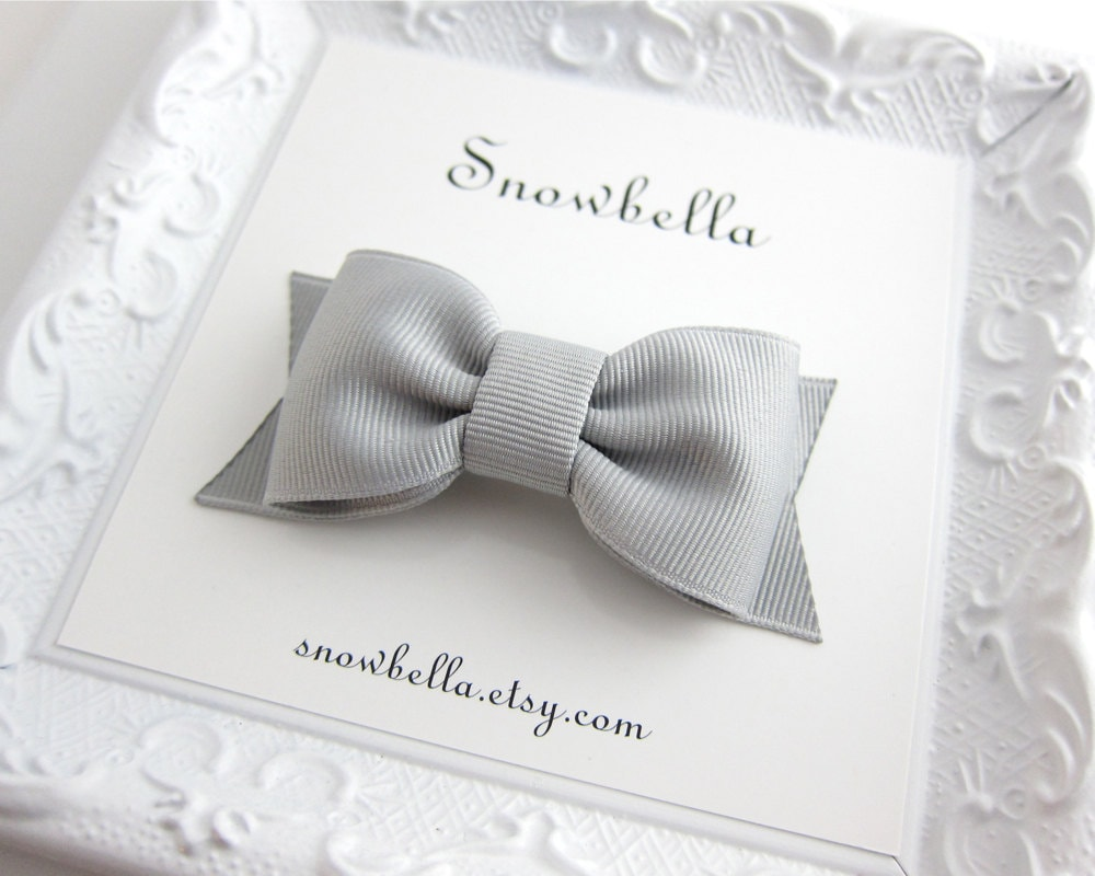Victoria Bow Hair Clip in Light Silver Grey