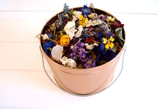 Wildflower & Petal Wedding Confetti -- a generous 10 Cups in a white, silver or bronze Pail