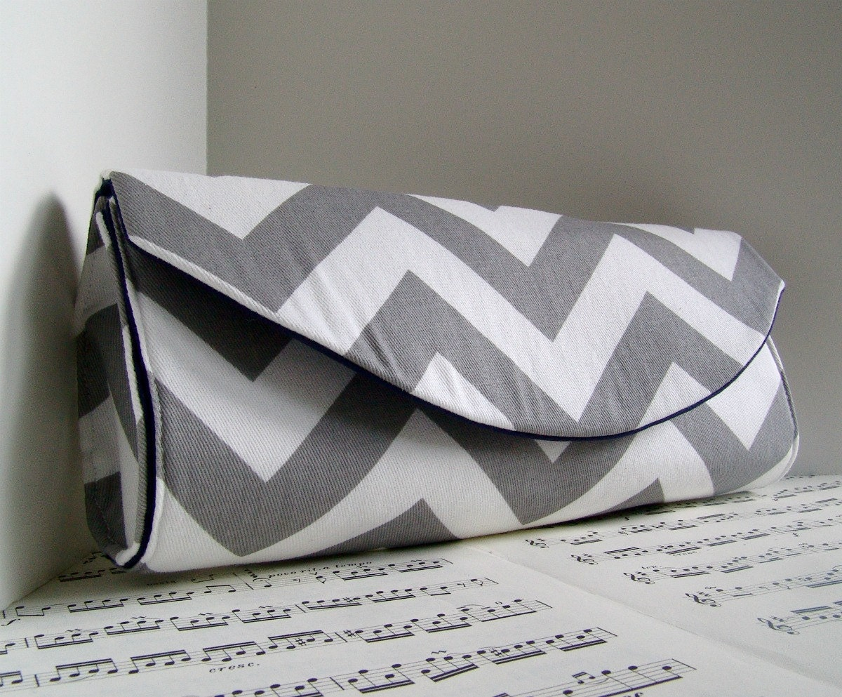 White and grey chevron clutch purse. Spring fashion clutch bag