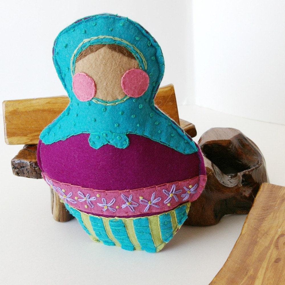 BTRT :: From Russia With Love (Matryoshka Wool Felt Dolly)