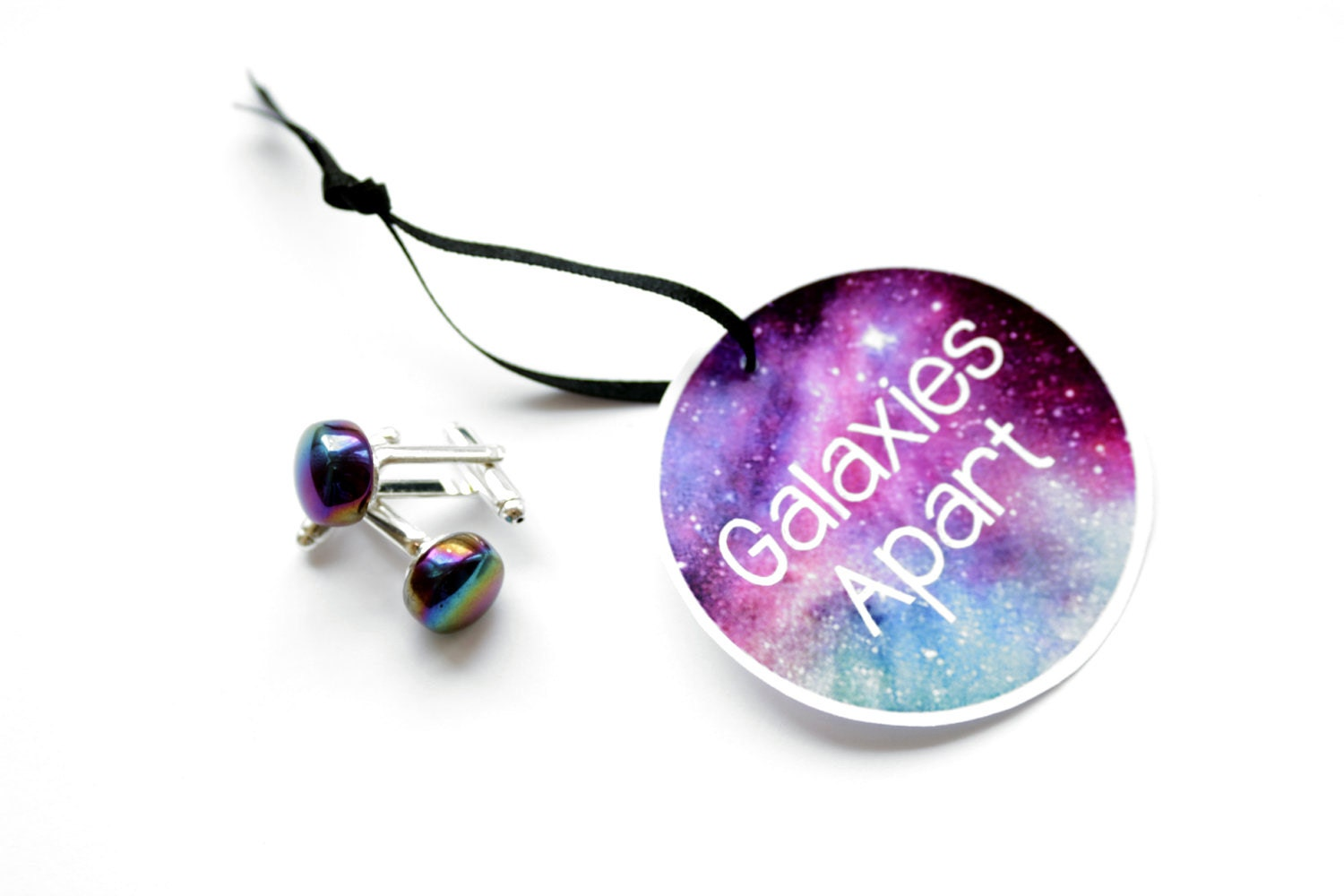 Circular 'galaxies apart' cufflinks