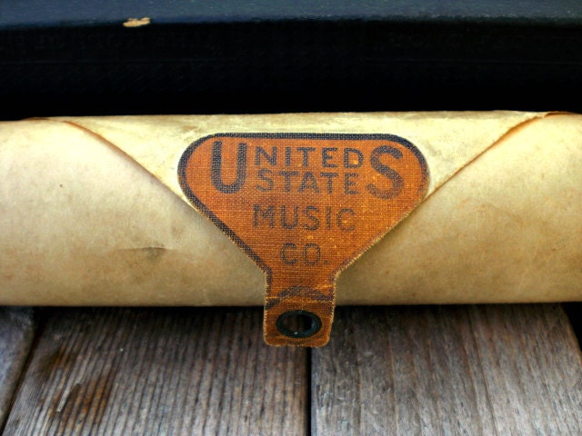 Vintage player piano roll. Collector gift. Ukulele Lady. Fox trot. Paper ephemera. US Music Company. Word roll. - WhiteDogVintage