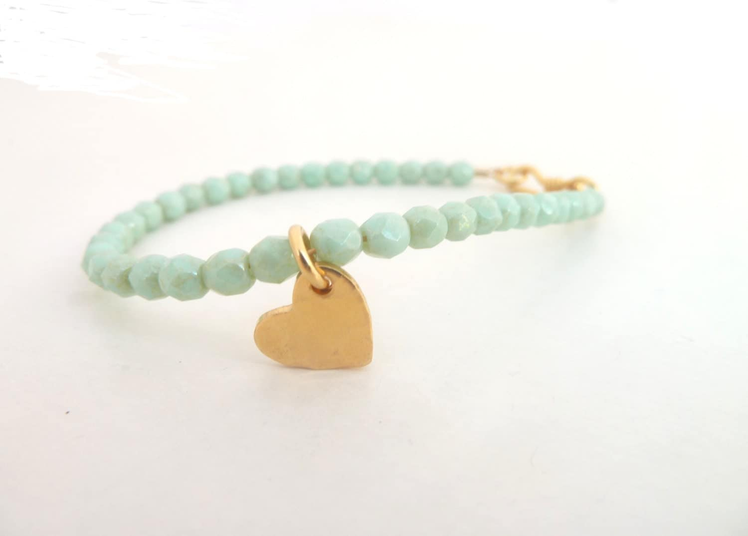 Mint green bracelet, gold vermeil heart, pastel bracelet, mint and gold, delicate jewelry - PinezaJewelry