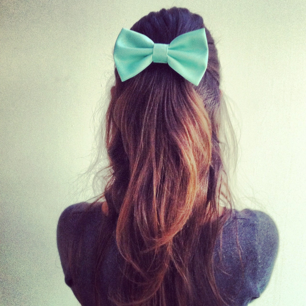 mint big hair bow (Serial-Number-002)