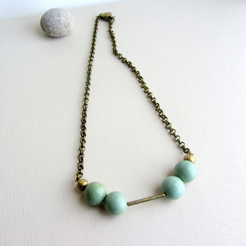 Mint green turquoise beads. Gemstone choker necklace. Antique brass - arrowsrain