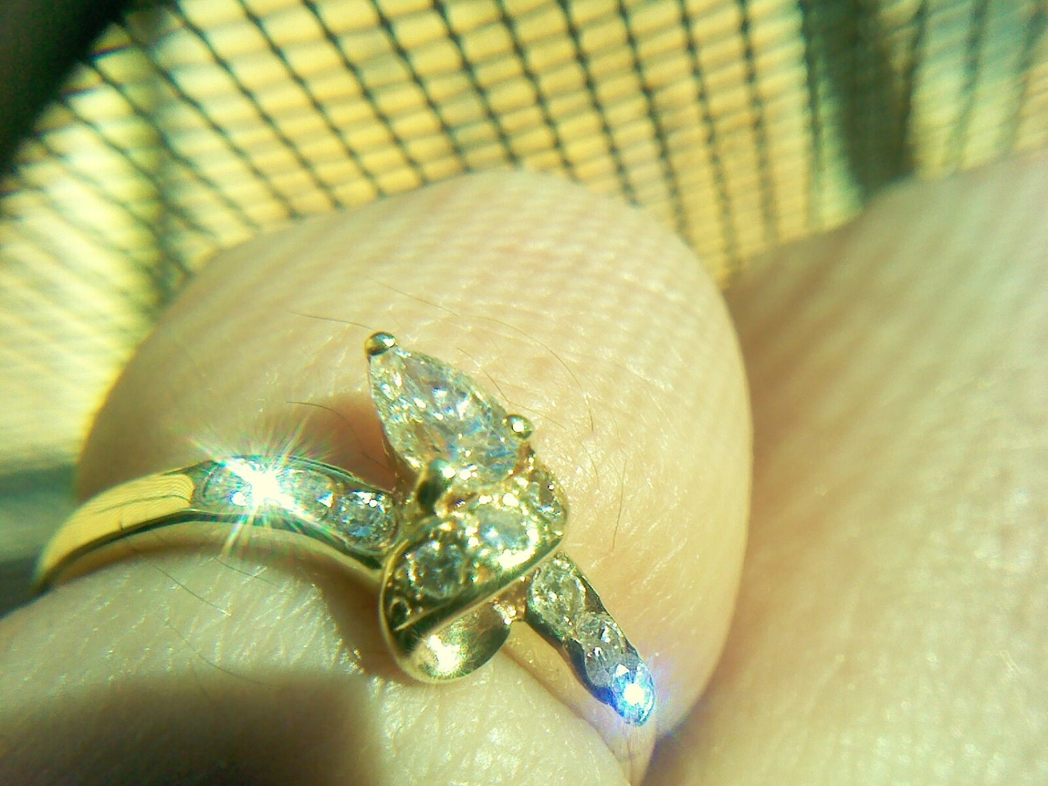 9ct Teardrop Diamond Engagement Dress ring Snake Style vintage Sale Size L
