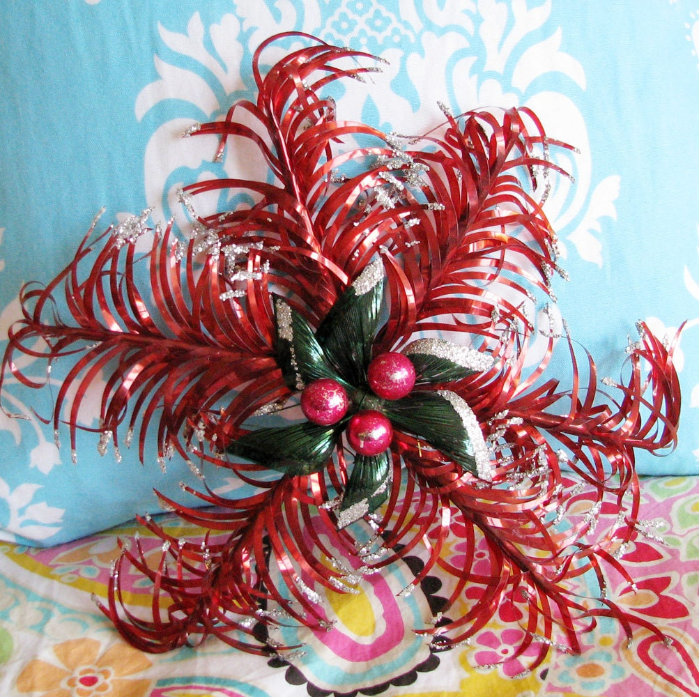 Christmas Cartwheels...Magnificently Kitschy Vintage Decoration