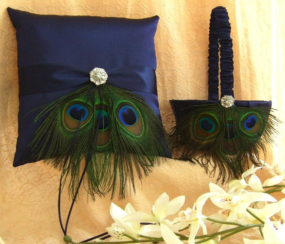 Catie 39 s blog discount christian louboutin shoeswhen the for Peacock feather wedding dress vera wang 2009