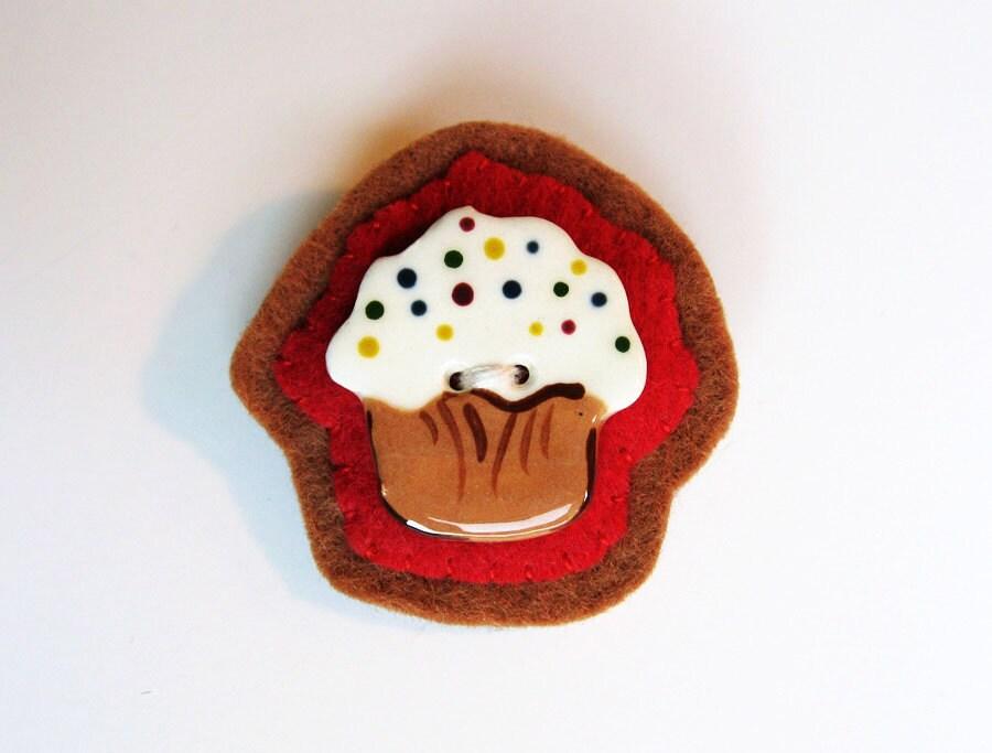 Chocolate Cupcake - Handmade Felt Brooch Pin