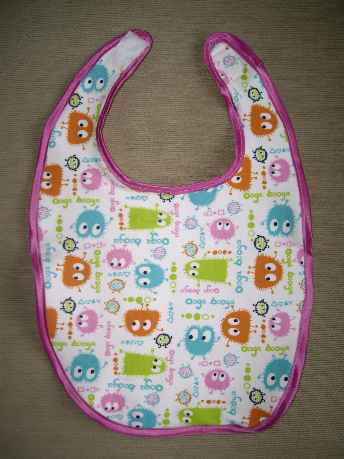 Reversible bib made with organic terry towelling and organic cotton jersey