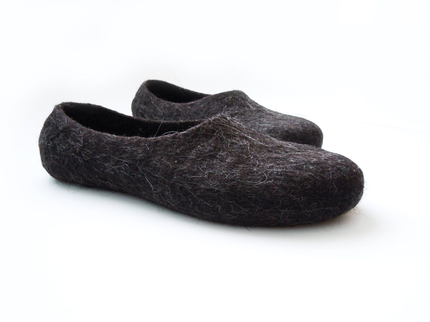 Eco friendly natural black color hand made felted men slippers - SimplicityOfFelt