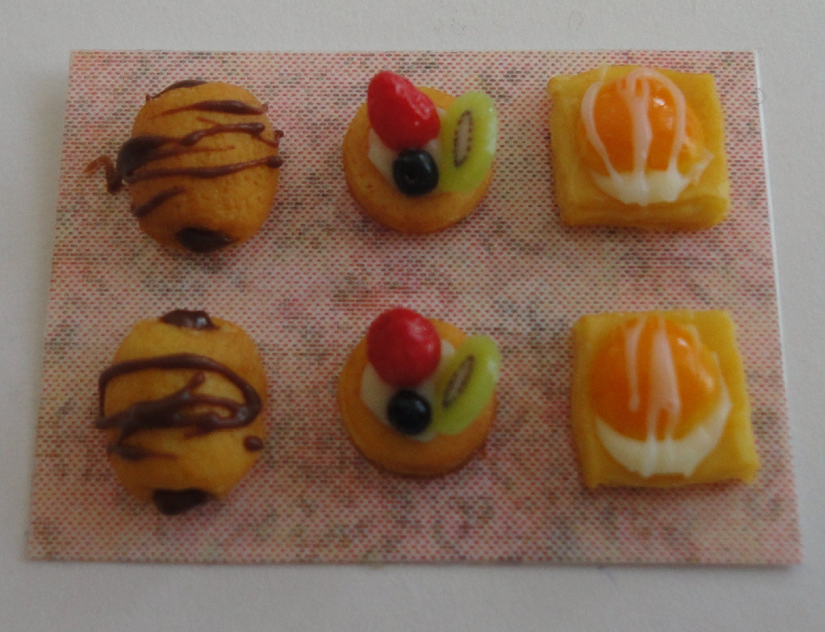 CDHM Artisan Orsolya Skulteti, IGMA Fellow of Orsi's Minis, colorful and assorted Danish Pastries in dollhouse miniature scale, 1:12.
