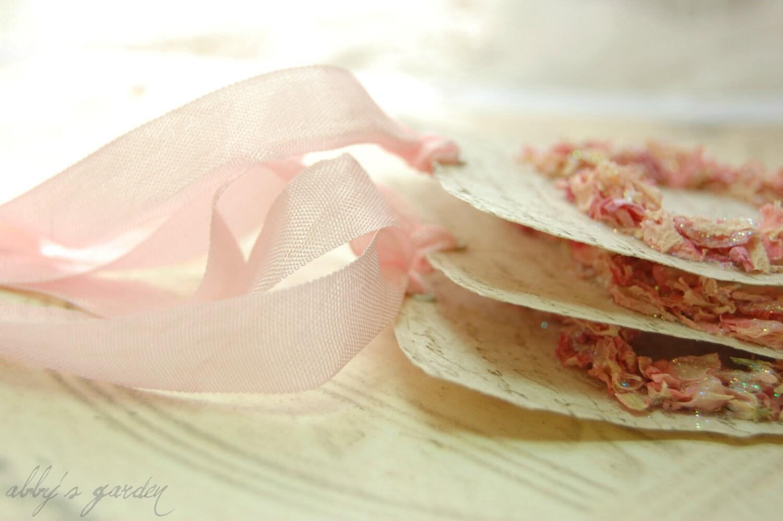 Любовь .... Теги, созданные с реальными лепестки цветка