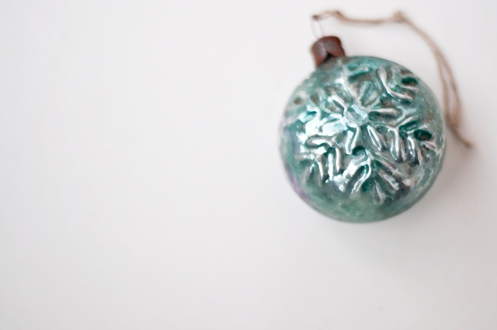 Vintage Christmas tree ornament - snowflake - CuteOldThings