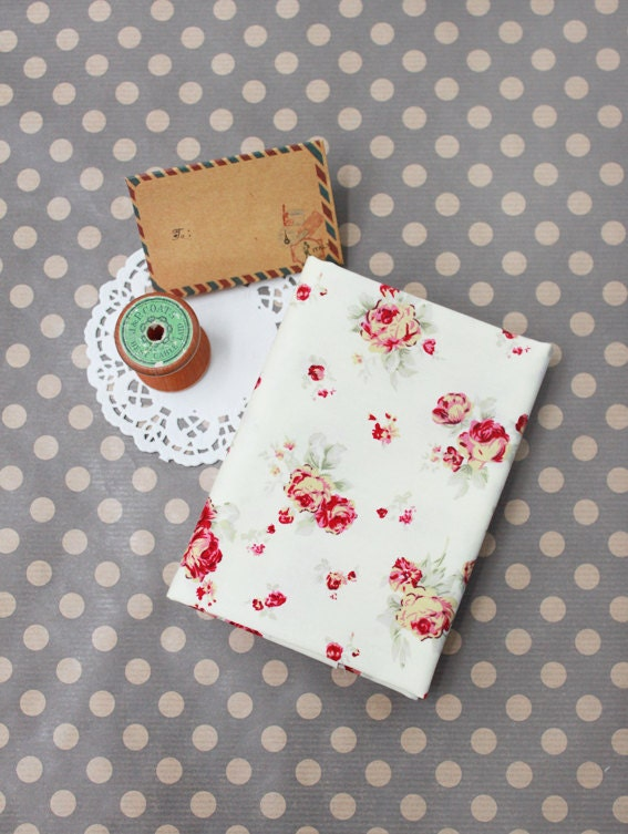Vintage Medium English Rose Cotton Fabric in A Fat Quarter Size - Zakka