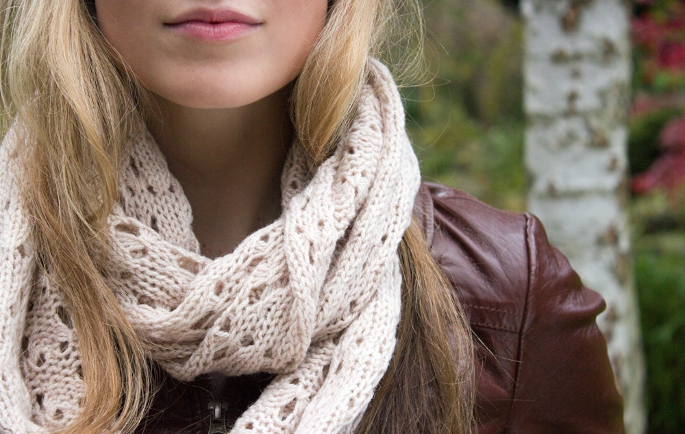 Soft Knitted Nougat Autumn Infinity Loop Scarf - Rose Smoke