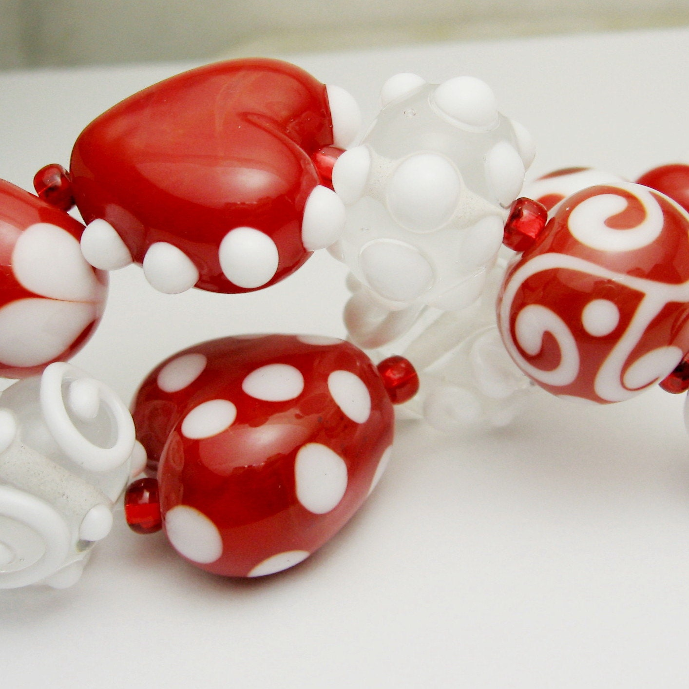 SRA Lampwork Glass Valentine Beads,Red and White, Hearts, 'True Love' - StoneDesignsbySheila