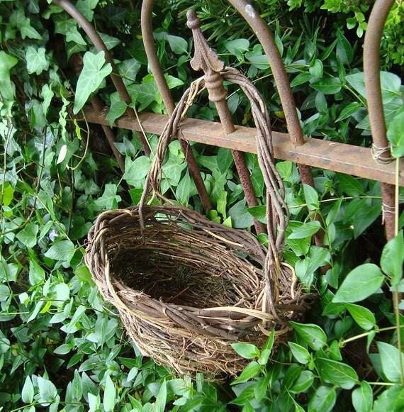 Rosemary warren vintage gold birds nest