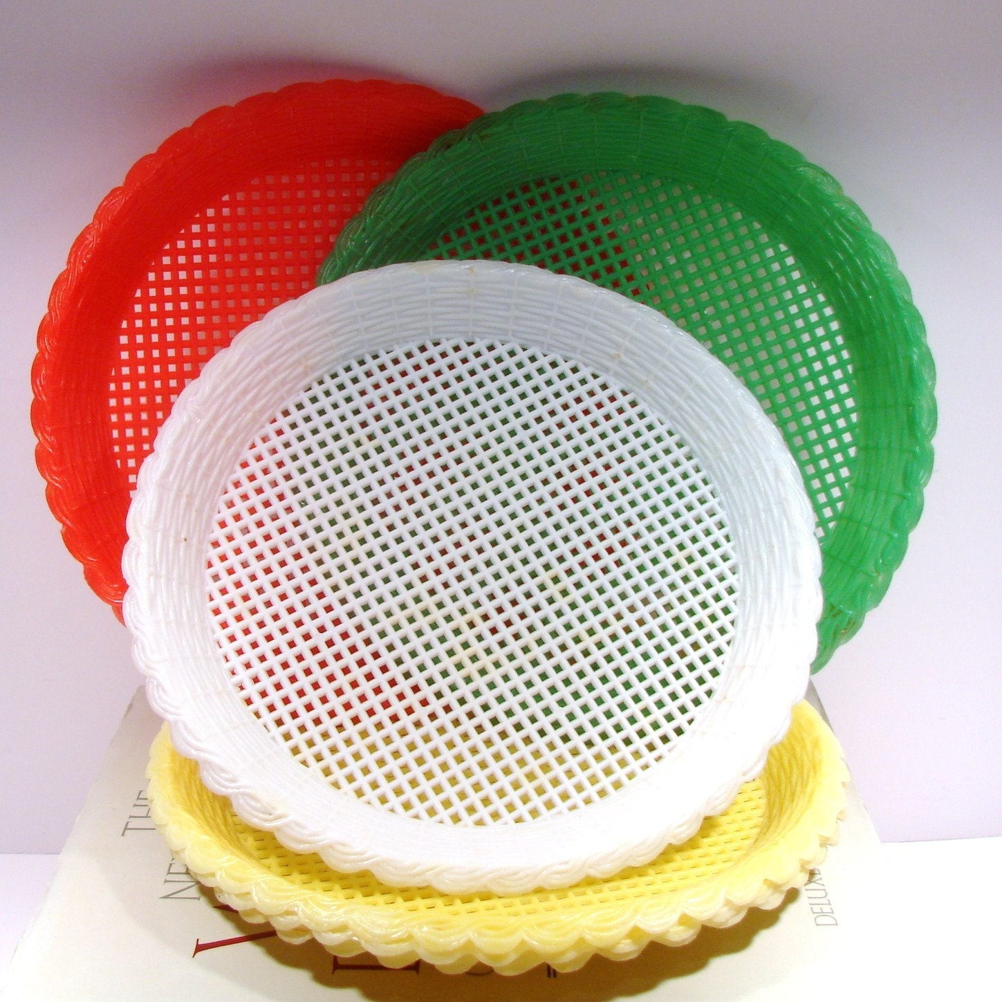 paper plate holder Shop tablecraft paper plate holders at webstaurantstore, your resource for restaurant supplies and equipment order today for fast shipping, wholesale pricing and superior service.