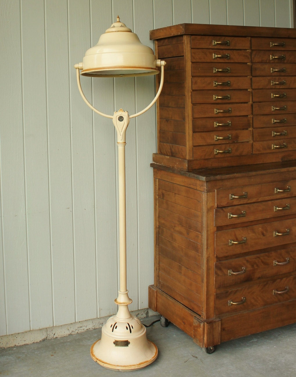 Antique Industrial Dominion Sunlamp Floor Lamp