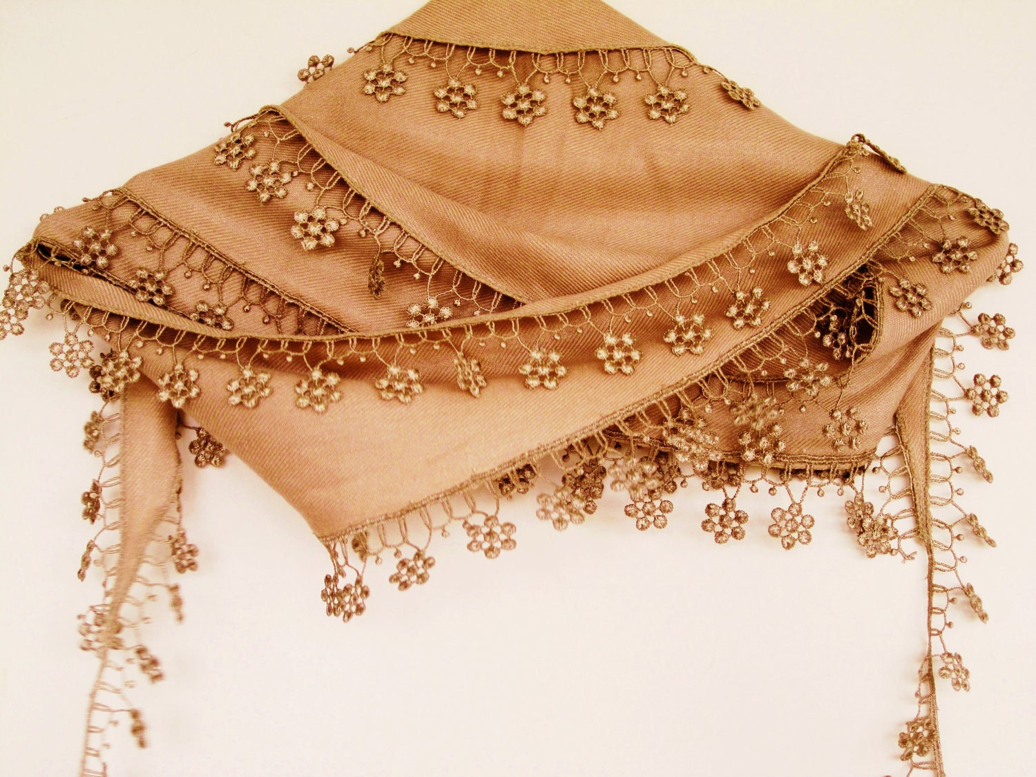 Gold scarf wth floral lacing