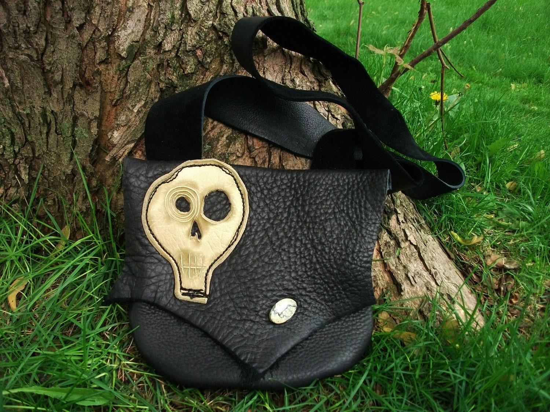 Kooky Spooky Skull Purse - TreadLightGear