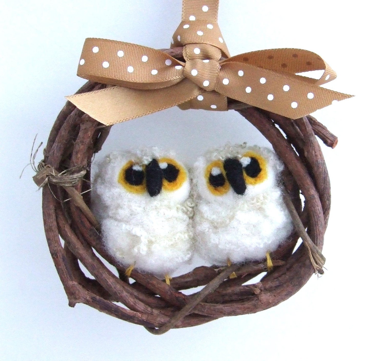 Needlefelted Owl Babies Mini Wreath with Pair of Felt Birds - feltmeupdesigns