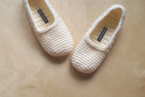 Crochet Slippers for Women in Vanilla