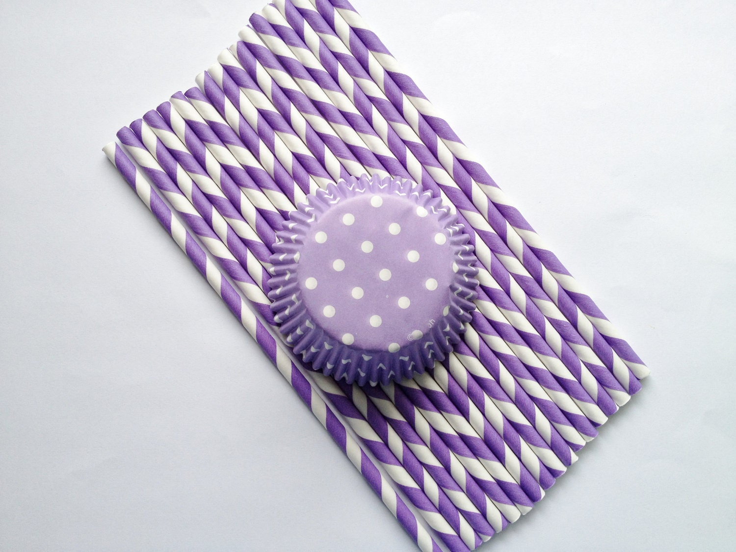 Purple and White Cupcake Liners and Paper Straws (25)