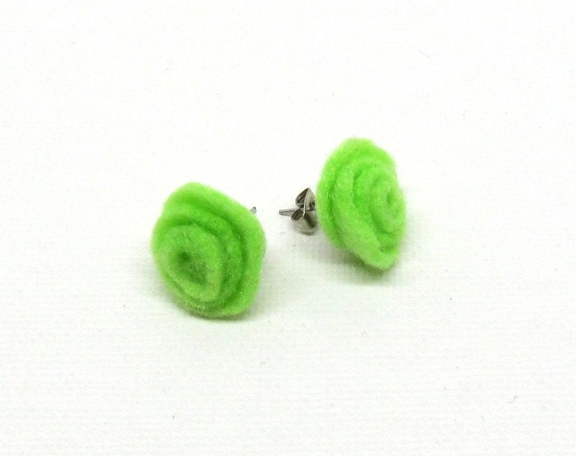 Neon Green, Summer Fashion earrings, Green Rose Earrings, Felt jewelry - CassyzCutiez
