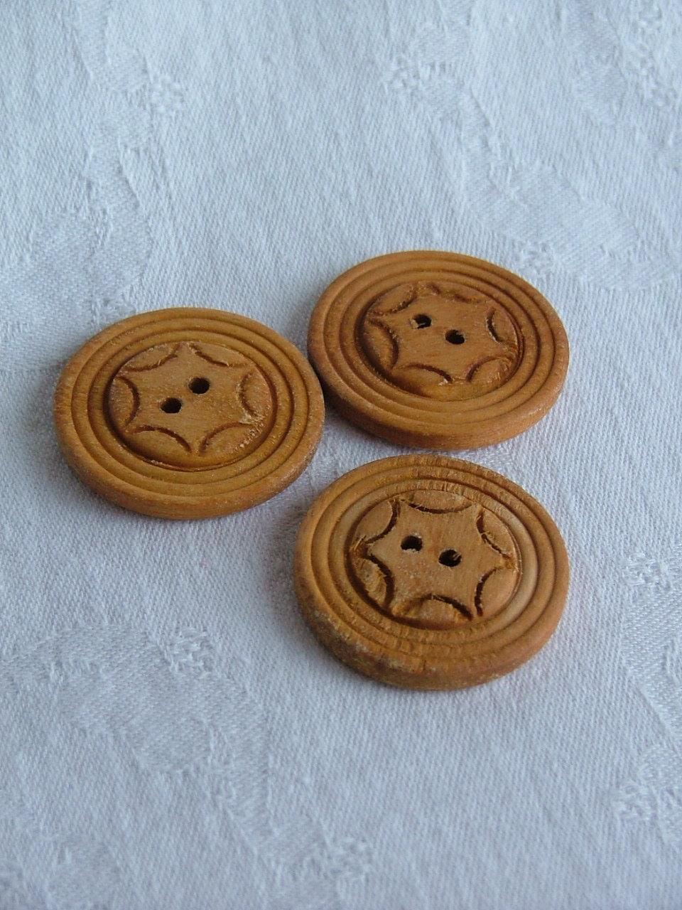 Wooden Buttons 4cms