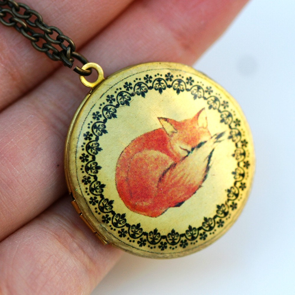 Locket,Photo Locket,Red Fox Locket, photo, Image,Round, Brass,Locket,Necklace,pendant