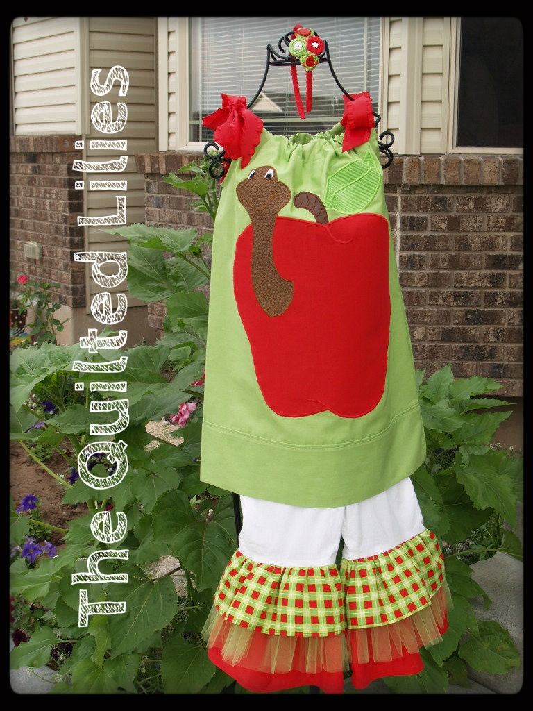 Boutique Girls / Toddlers Fall Lime Green and Red Apple Back to School Worm set size 4T / 5T Ready to ship