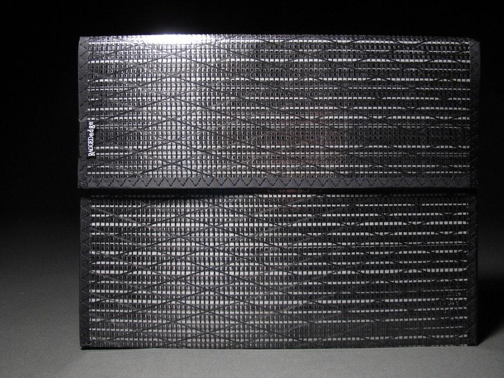 Carbon Fiber Portfolio - Black & White - Velcroless - RAGGEDedgeGear
