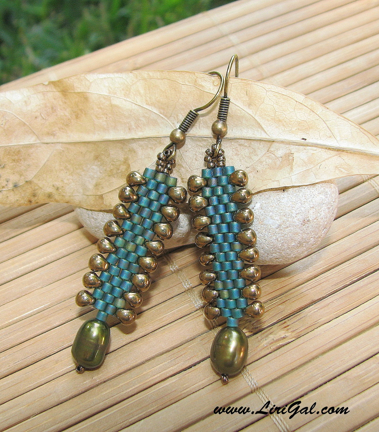 Dragon Skin. Delica Earrings in Green and Bronze