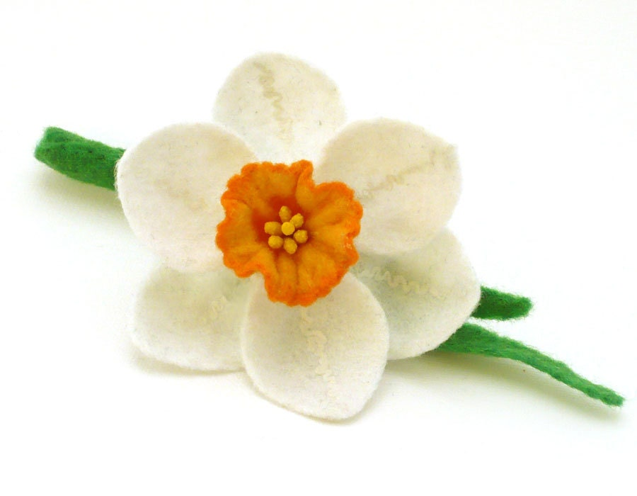 Felt brooch white narcissus daffodil - Roltinica