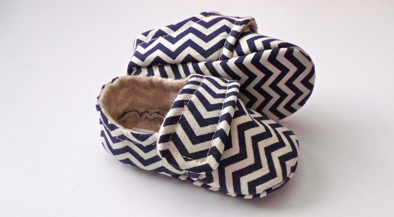 TINY CHEVRON Baby Boy Shoes - Navy