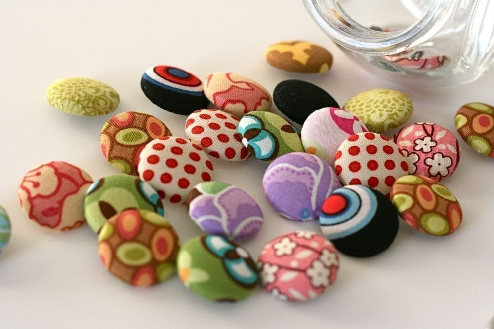 Fabric Covered Buttons Assorted Mix - 7/8 inch (size 36)  set of 10 - bulabean