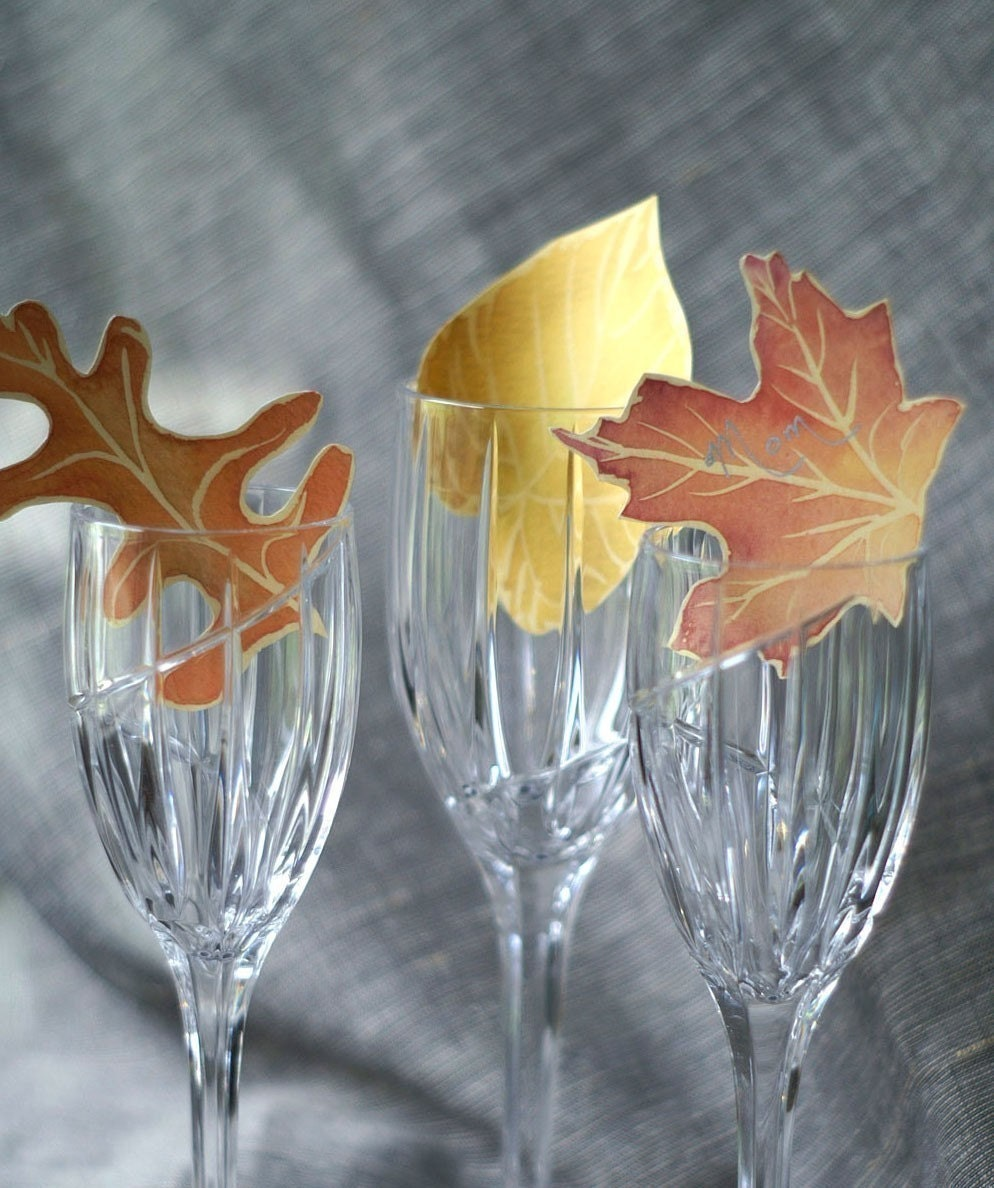 Paper Leaves in  Fall colors - Events - Weddings - Crafts - Place cards - Escort Cards
