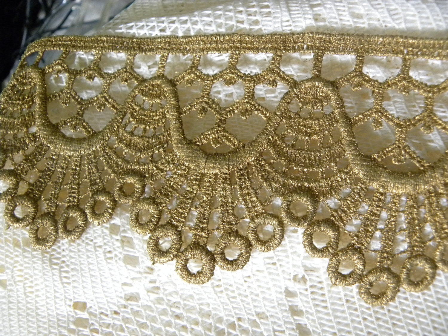 """Gorgeous Vintage Victorian French  Metallic Antique Gold Lace Trim 3"""" Wide 1 Yard"""