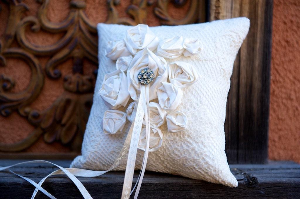 Сметаны кольцо предъявителя подушку