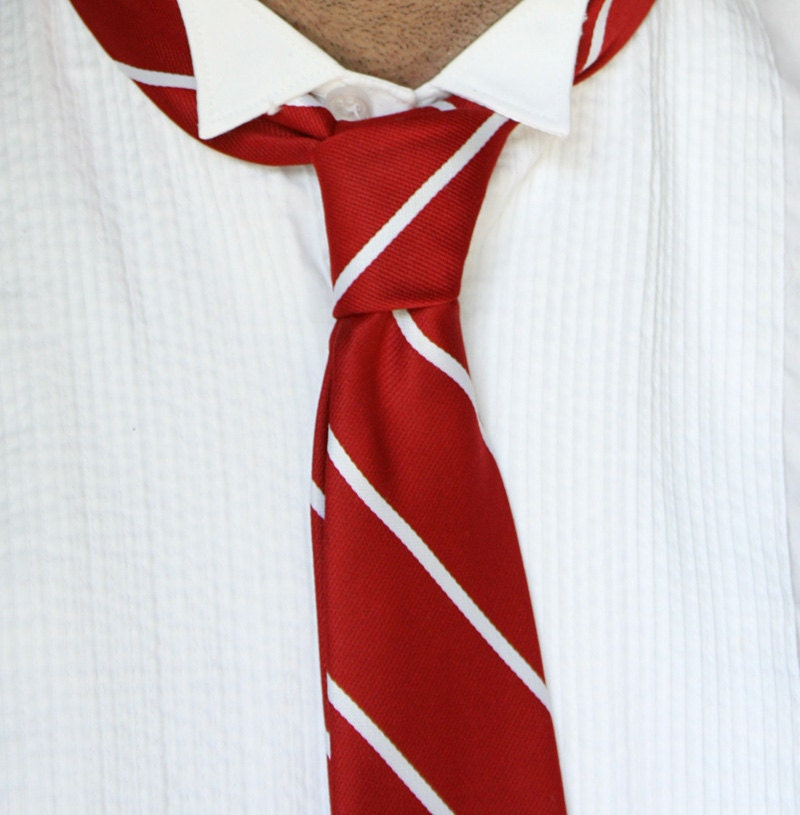 Vintage Mad Men Red and White Stripped Tie - oohlaya