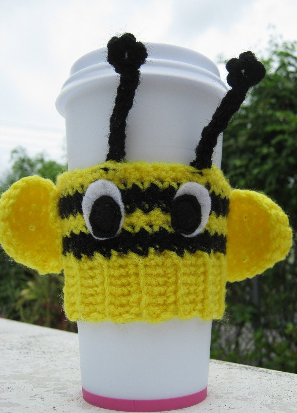 Buzzing Bee Coffee Cozy by PinkFrog4U on Etsy from etsy.com