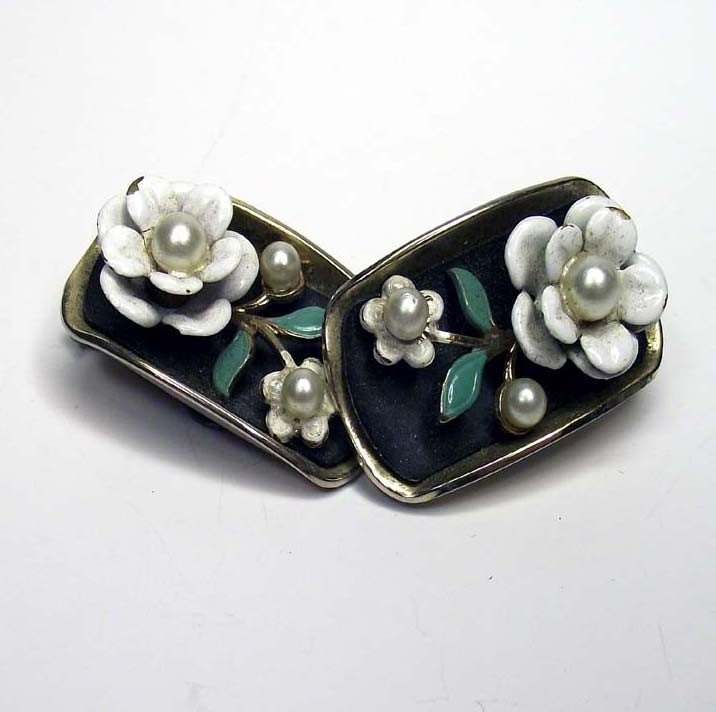Vintage Alice Caviness Clip On Earrings