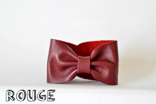 Bracelet manchette noeud en cuir rouge