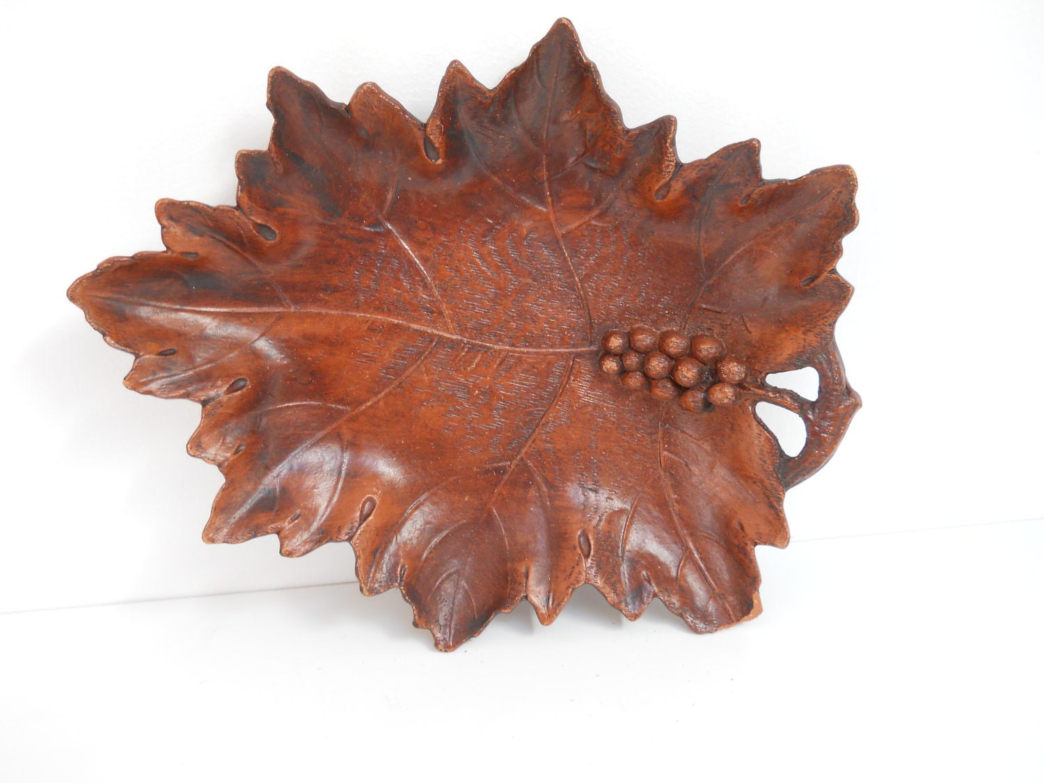 Vintage Grape Leaf Composition Tray - dragonflycountryshop